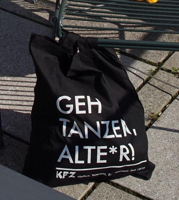 """Jutebeutel: """"Geh tanzen, Alte*r!"""""""